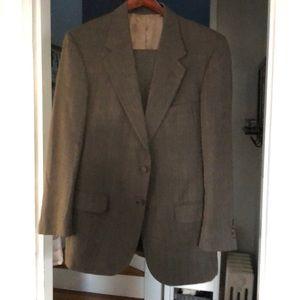 Men's dark gray suit 42R